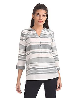 U.S. Polo Assn. Women V-Neck Striped Top