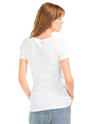 GAP Women White Modern V-Neck Tee