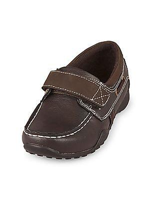 The Children's Place Boys Strap Canoe Shoe
