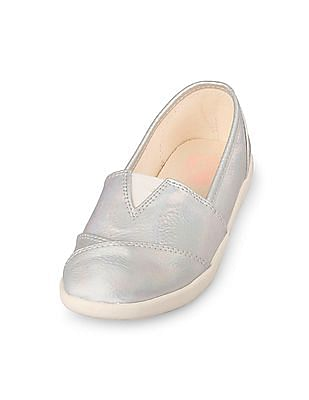 The Children's Place Girls Iridescent Foil Print Coastal Shoe