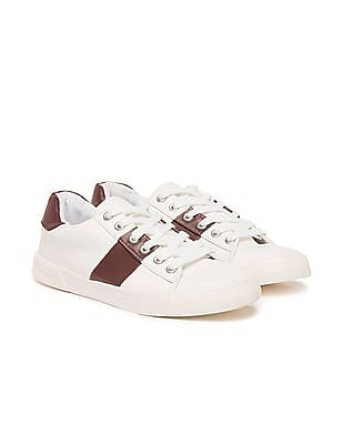 Aeropostale Contrast Trim Low Top Sneakers