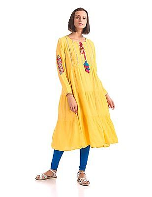 Anahi Notched Round Neck Tiered Kurta
