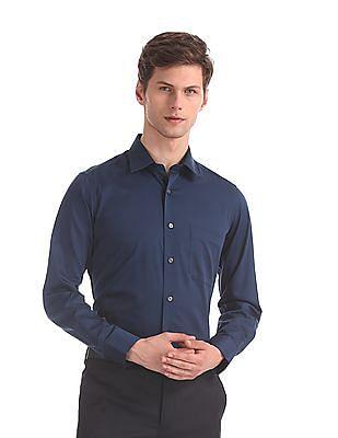 Arrow Blue Regular Fit Solid Shirt
