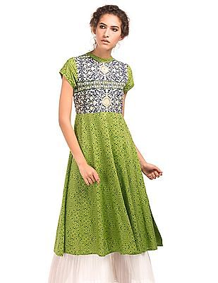 Anahi Regular Fit Contrast Panelled Kurta