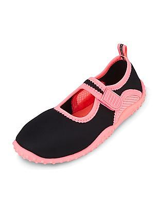 The Children's Place Girls Perforated Panel Water Shoes