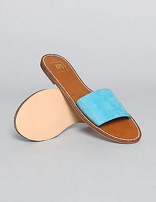 38edf29e5 Women Sandals Models Online Offers  Upto 50% Off Sale + Upto 20 ...