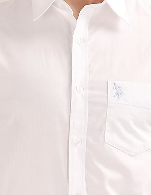 USPA Tailored Solid Regular Fit Shirt