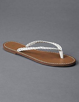 GAP Braid leather flip flops